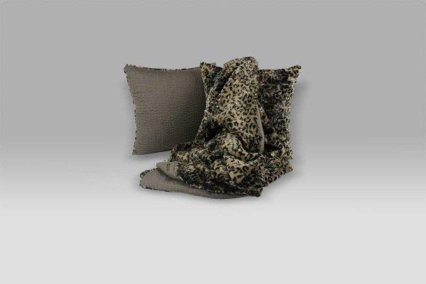Coordinato Cuscino e Plaid Ecopelliccia maculata pelo rasato lana Bagnaresi Casa