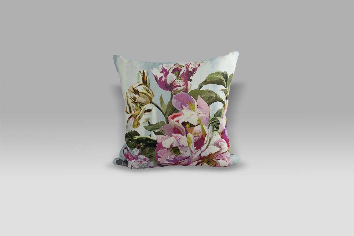 Cuscino 60x60 Delft Flower Sky lino stampato su base sfumata Designers Guild