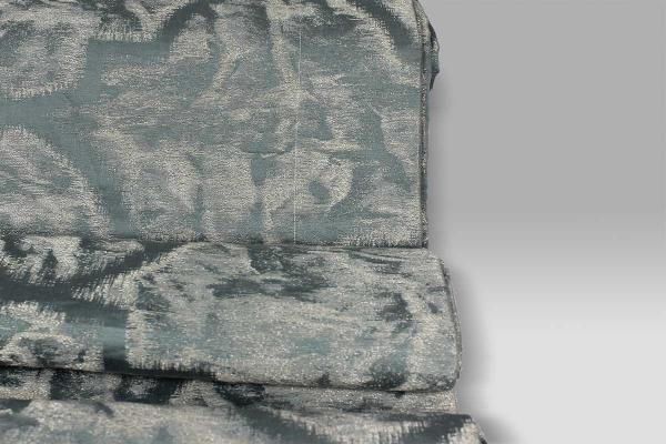 Copriletto Giada colore salvia con striature grigio-argento La Perla