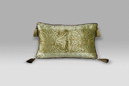 Cuscino Bagnaresi Casa 20x40 velluto stampa oro passamaneria nappini
