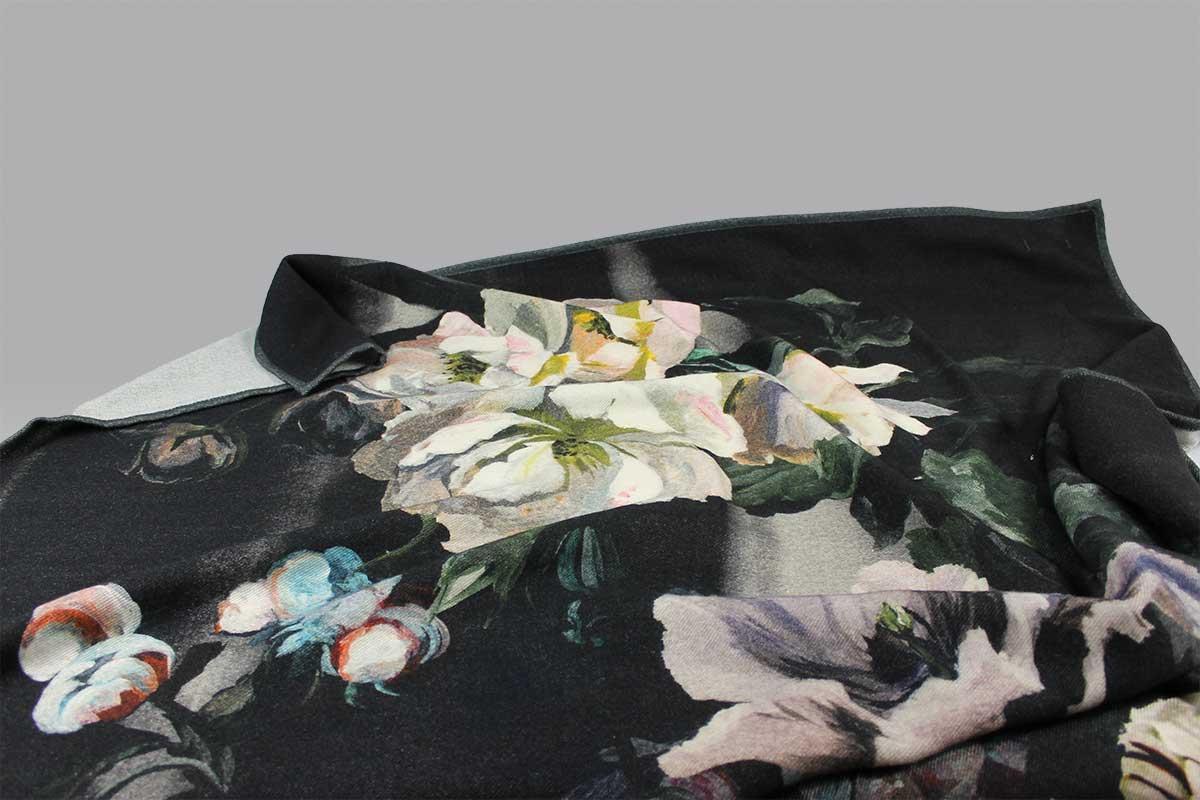 Plaid Delft Flower Noir Designers Guild