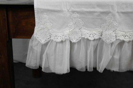 Runner 50x150 Etoile in cotone con pizzo arcato e garza in tulle bianco vintage Opificio Dei Sogni