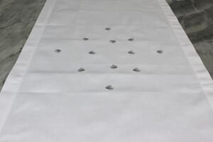 Runner Api Table Linens bianco-argento Mastro Raphael
