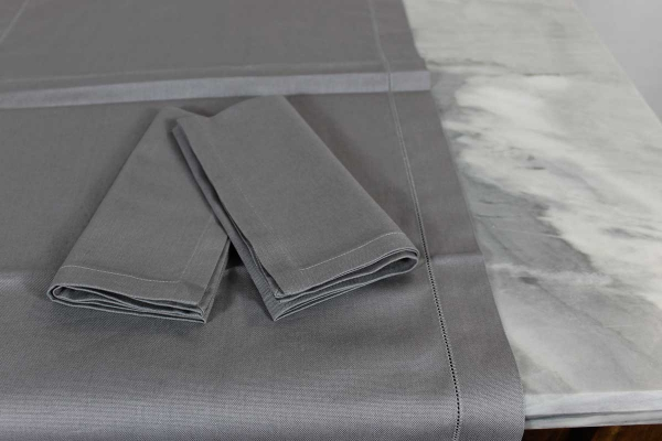 Set 2 Runner e 4 Tovaglioli Bordo Ajour cotone panama col.9B grigio scuro Mastro Raphael